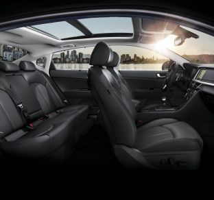 Kia Optima interior 4