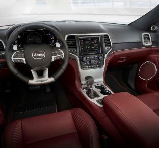 Jeep Grand Cherokee interior 5